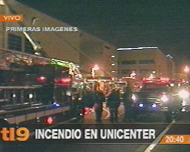 Reabre Sus Puertas El Unicenter Despues Del Voraz Incendio De Ayer